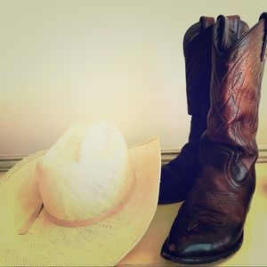 COMING SOON! Frye Boots Size 7 Made in Mexico